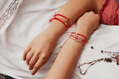bracelet fil rouge porte bonheur